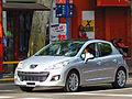Peugeot 207 GTi 2012 (14624957507).jpg
