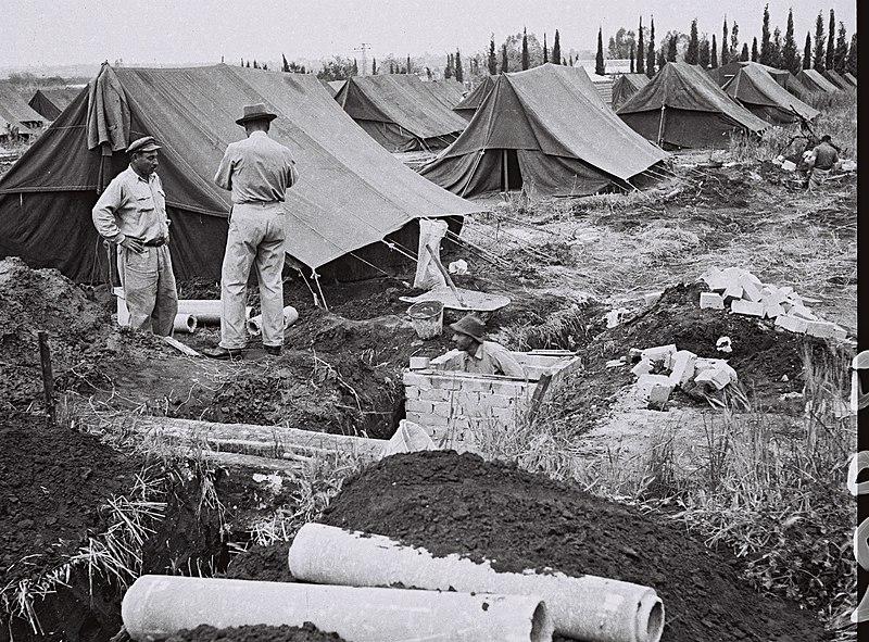 אוהלים במעברות