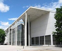 Pinakothek der Moderne SO-1.jpg