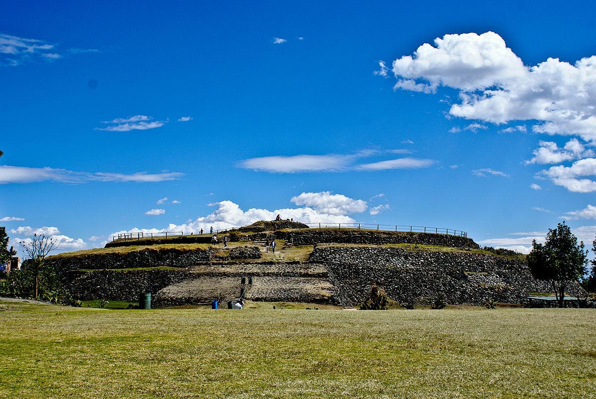 Pirámide de Cuicuilco al Sur del Distrito Federal.jpg