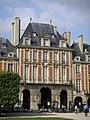 Place Vosges Paris Mai 2006 003.jpg