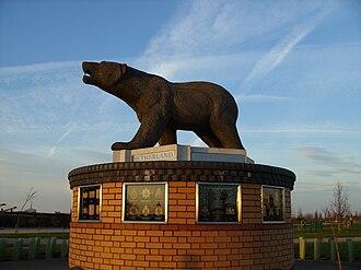 National Memorial Arboretum - Image: Polar Bear Memorial at National Memorial Arboretum
