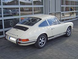 Porsche 911 S 2.4 Urmodell 1971-1973 0000 backright 2010-03-27 U