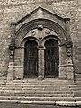 Portail église de Saint Pastour.jpg