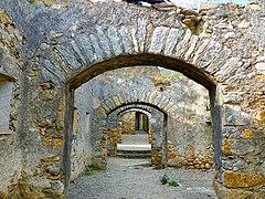 Prats de Molló, camí de ronda de les muralles