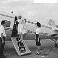 Prinses Beatrix in Suriname, Prinses zet voet op Nickeriaanse bodem, Bestanddeelnr 917-5201.jpg