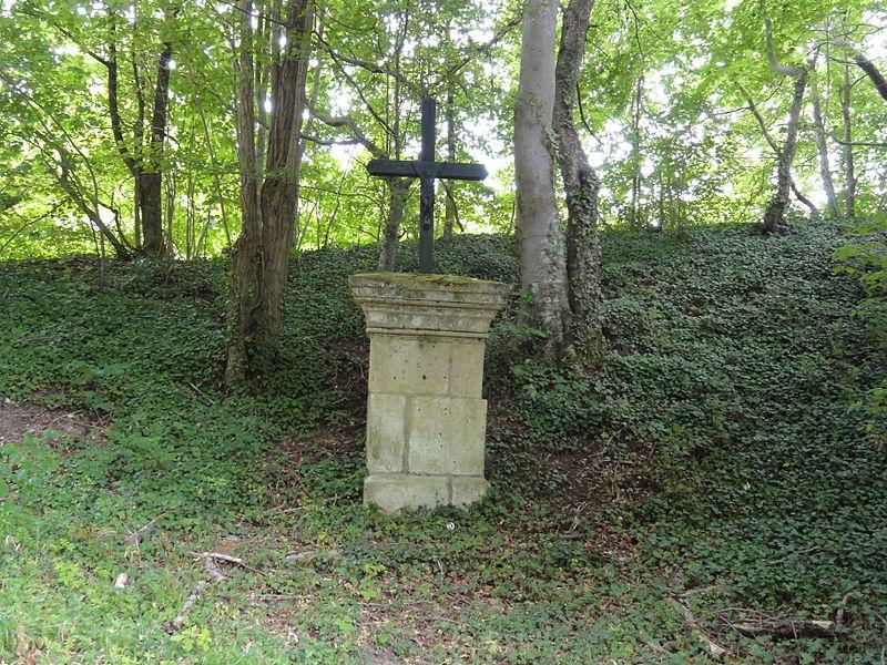 Puiseux-en-Retz (Aisne) croix de chemin, B