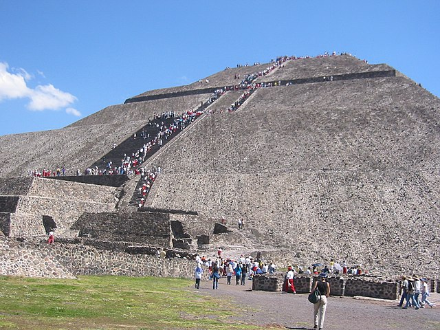 Pyramid in Mexico By Tjeerd Wiersma from Amsterdam, The Netherlands (Flickr) [CC-BY-2.0 (http://creativecommons.org/licenses/by/2.0)], via Wikimedia Commons
