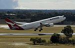 Qantas a330-200 (5687127536).jpg