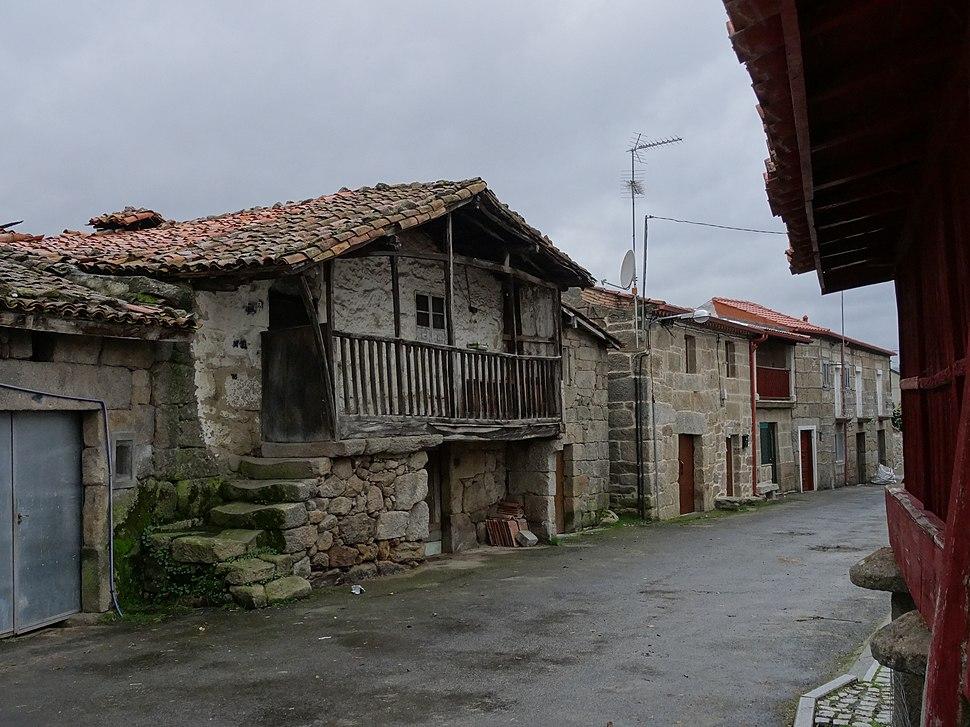 Rúa Estremadoiro, Porqueira, Ourense 06