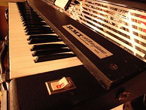 Rocky Mount Instruments - The RMI 368X Electra-piano and Harpsichord