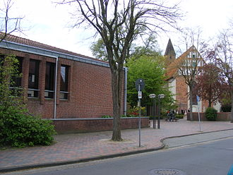 Lilienthal, Lower Saxony - Image: Rathaus Klosterkirche Lilienthal