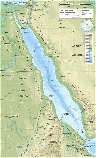 Carte de la mer Rouge avec les monts Sarawat le long de sa côte est.