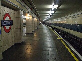 Redbridge tube station - Image: Redbridge station eastbound look west