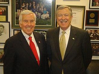 Martin C. Jischke - Jischke (r.) with Richard Lugar in 2007