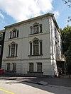Herenhuis, deel uitmakend van de luxe bebouwing langs de maliebaan in aansluiting op de maliesingel, gebouwd omstreeks 1870 voor de familie ram in eclectische stijl, frontgevel vrijliggend aan tui