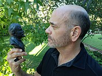 "Robert Picardo holding Lenin bust (for monochrom's Kickstarter capaign for the film ""Sierra Zulu"").jpg"