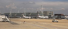Rom Fiumicino Airport 2008 by-RaBoe.jpg