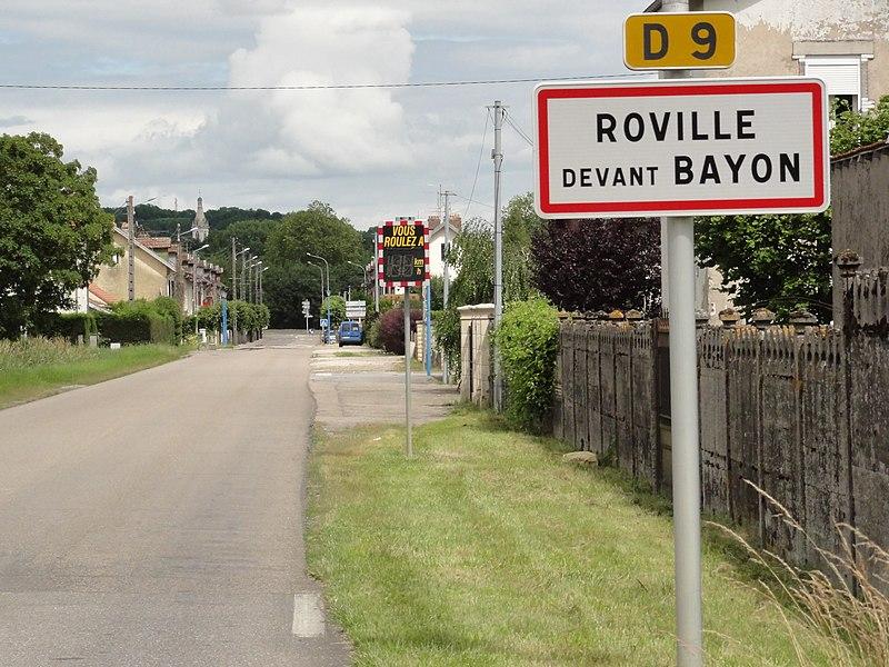 Roville-devant-Bayon (M-et-M) city limit sign