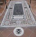 S. croce, tomba sul pavimento 82.JPG