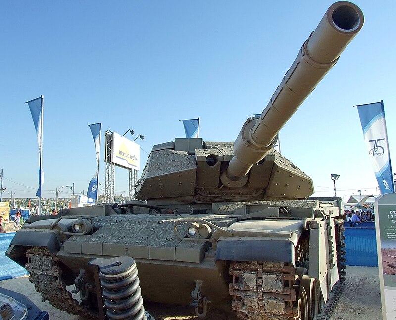 الدبابه Sabra .......التطوير الاسرائيلي للدبابه M60 Patton  الامريكيه  800px-Sabra_tank