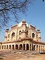 Safdarganj Tomb, Safdarganj in New Delhi 16.jpg