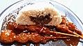 Sate-Spießchen Babi Padang und Bapao mit Rindfleischfüllung.jpg