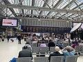 Scene in Glasgow Central railway station.jpg