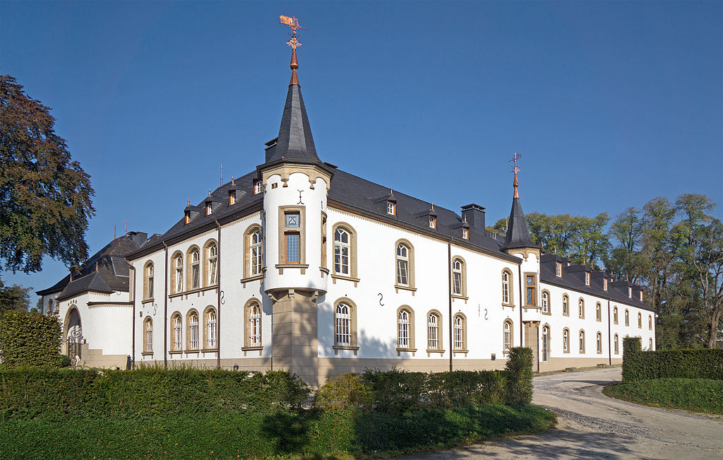Schloss Urspelt 01