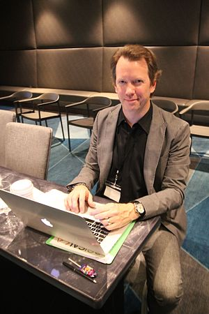 Sean M. Carroll - Image: Sean Carroll on Computer