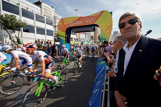 Secretary Kerry Watches the Start of the Men's Cycling Race at the 2016 Summer Olympics (28189186963).jpg
