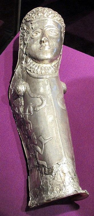 Greave - Image: Sepoltura principesca di agighiol, paramento in argento, 350 300 ac. ca. 02