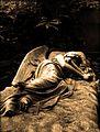 Sepulcro con ángel.jpg