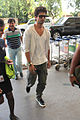 Shahid snapped on the way to Indore 05.jpg