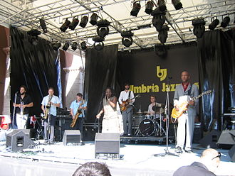 Umbria Jazz Festival - Image: Sharon Jones + Dap kings 2