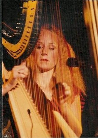Art in America (band) - Shishonee Flynn, in concert