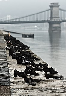 Schuhe Am Donauufer Wikipedia