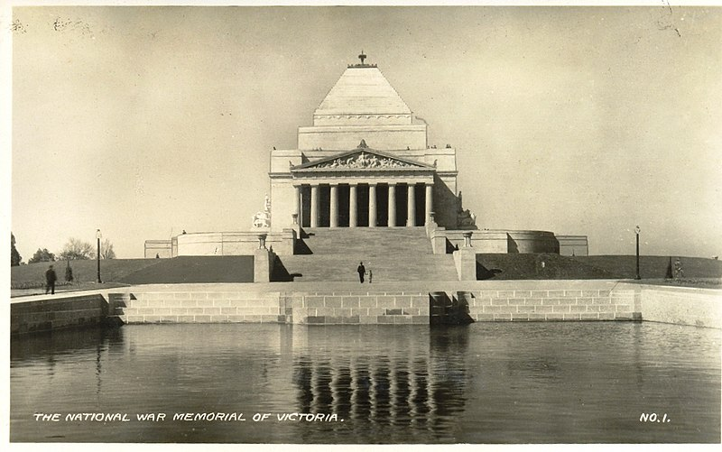 http://upload.wikimedia.org/wikipedia/commons/thumb/1/11/Shrine_of_Remembrance_1930.jpg/800px-Shrine_of_Remembrance_1930.jpg