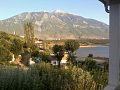 Shtepi afer liqenit dhe me pamje nga gjalica.jpg