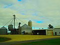 Silo and a Grain Elevator - panoramio.jpg