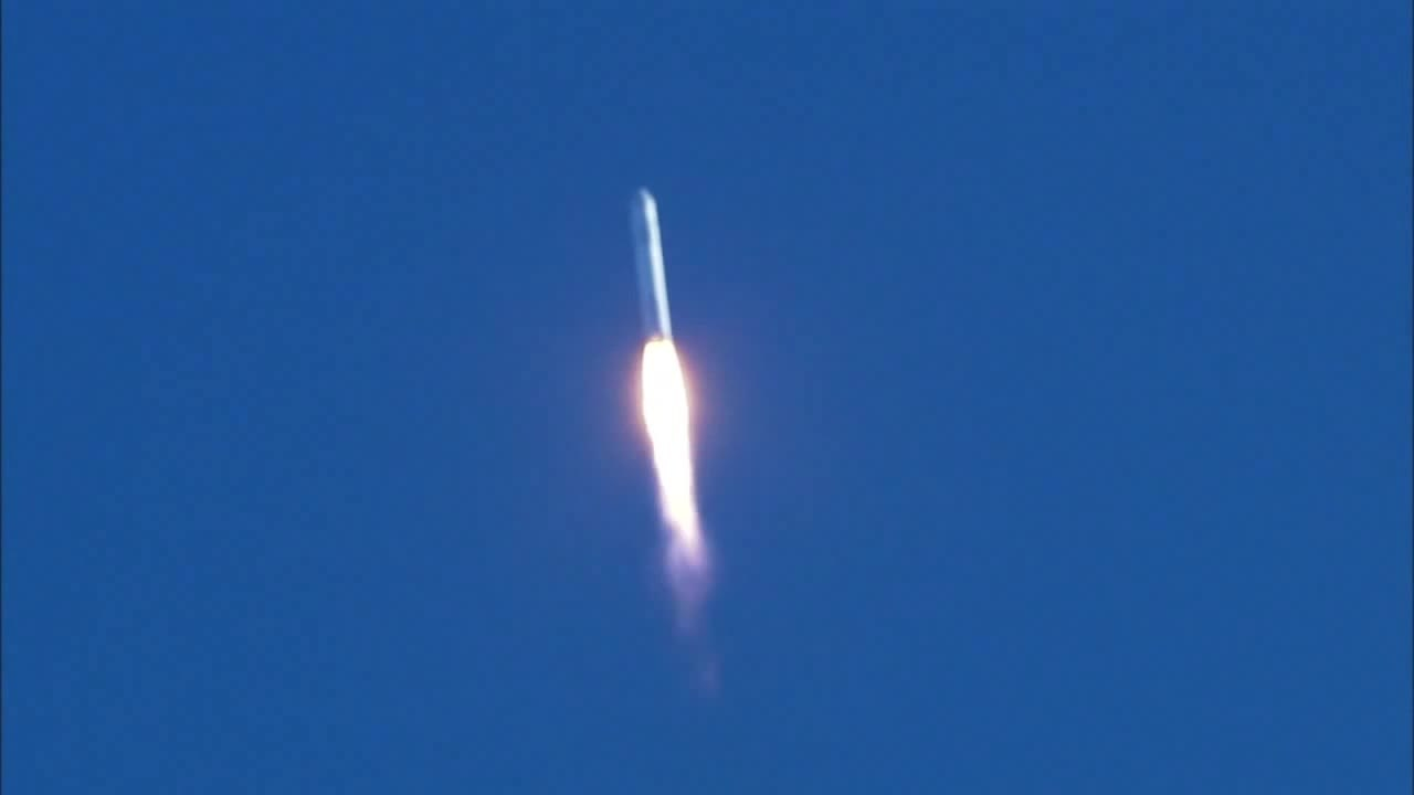 File:SpaceX Falcon 9 launch with COTS Demo Flight 1 (high ...