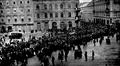 Sprovod dra. Ante Starčevića (prizor na Jelačićevom trgu) 1896.png