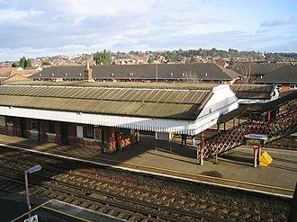 St Denys railway station - St Denys station platforms