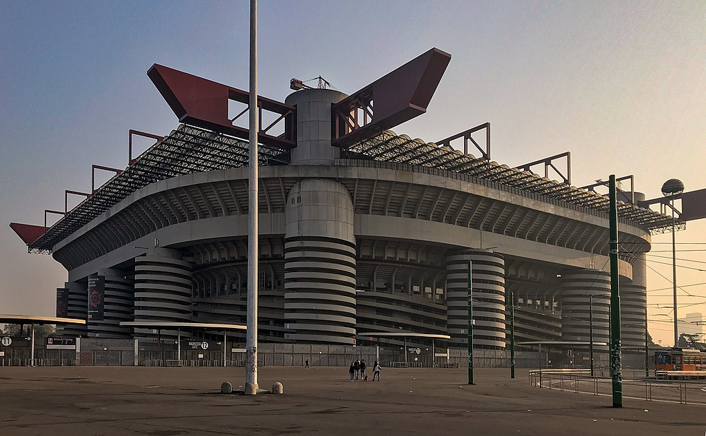Stadio Meazza.jpg