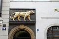 Staré Město, Husova 17, U zlatého tygra, domovní znamení.jpg