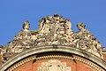 Statues sur le fronton du Capitole de Toulouse 1.jpg
