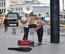 Street performers on Carrefour de l'Europe, Brussels, BE (DSCF6730).jpg