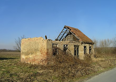 Destroyed Serbian house in Croatia. Most Serbians fled during the Operation Storm in 1995. Sunja (Croatia).JPG