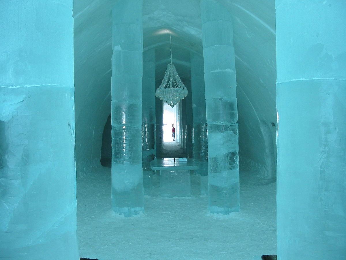 Eishotel – Wikipedia