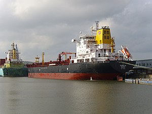 Tanker Aurelia.jpg
